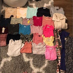Huge women's clothing lot